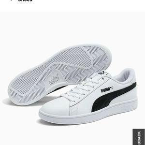 Puma men's Smash v2 Sneakers, soft foam. Size 10.5